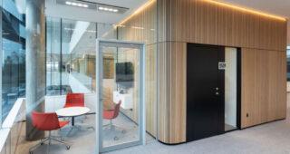 Дизајн, финкција и класификација на звук: 3 во 1 решение за врата во паметни простории